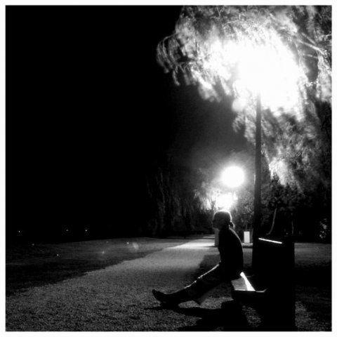 картинки черно-белые грусть