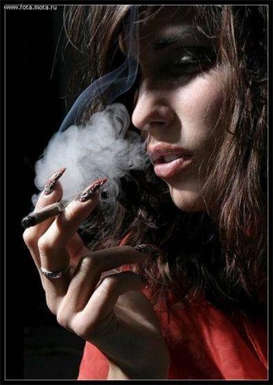 Фото курящих девушек на аву