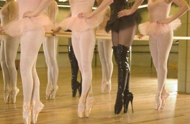 Фото в раздевалке у балерин 42